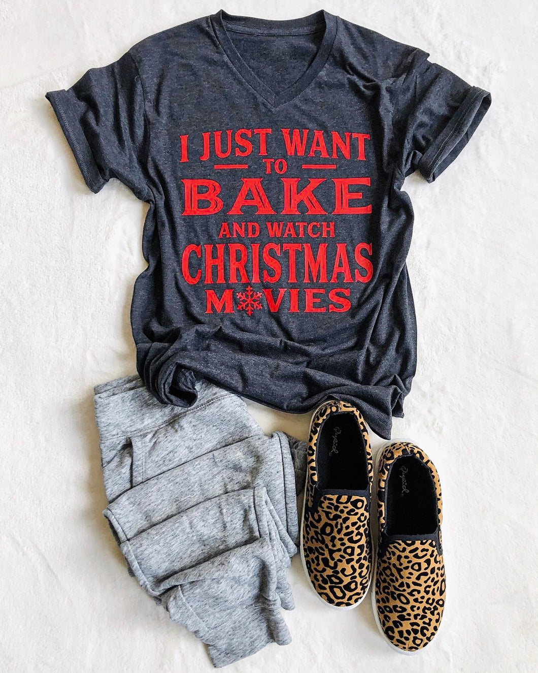 I just want to bake and watch T-shirt