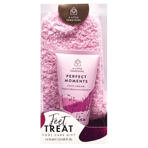 Feet Treat Foot Care Gift Set - Raspberry Blossom & Mandarin (2-Piece Set) Lotion & Super Soft Socks
