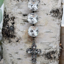 Load image into Gallery viewer, SAMARAH CROSS NECKLACE