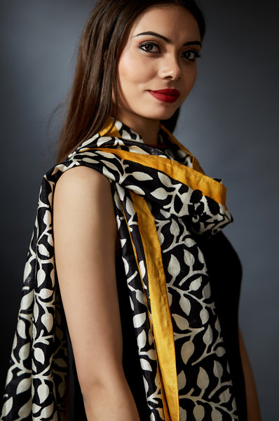 Shoma - Leaf Motif Hand Block Printed Stole