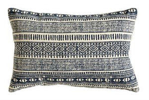 patterned black / cream lumbar 12 x 18