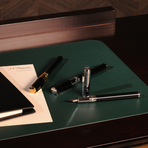 S.T. Dupont D-Initial Fountain Pen - Black & Gold