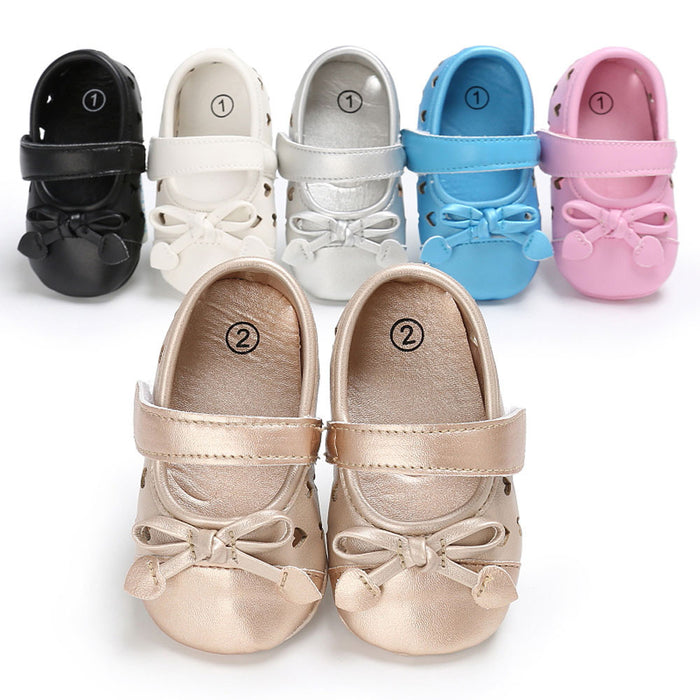 Baby girls shoes - Time for the princess first steps