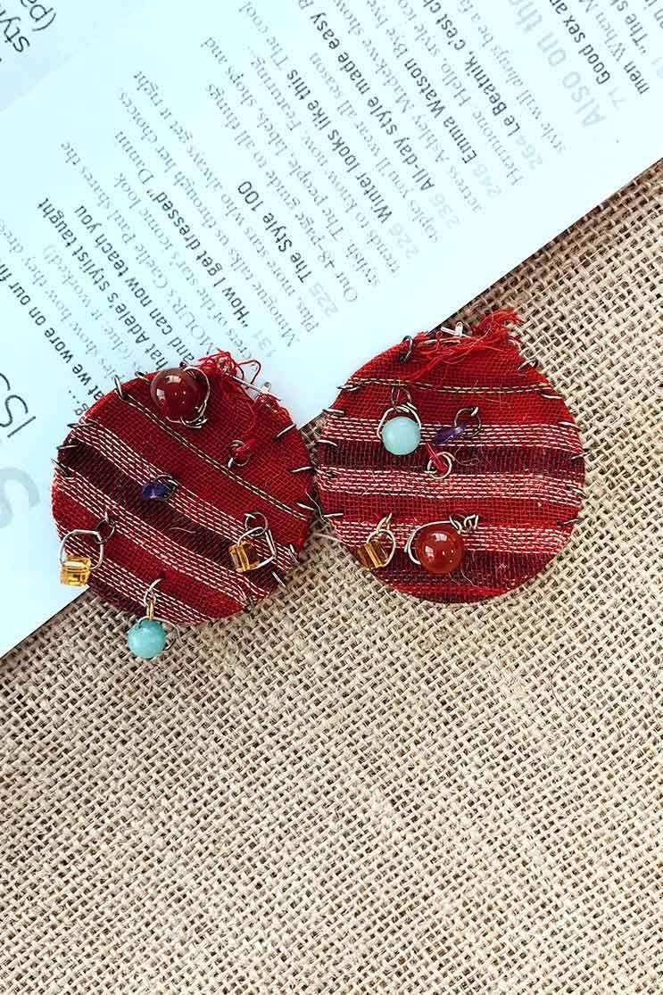 RED ROUND EARRINGS (4655729410137)