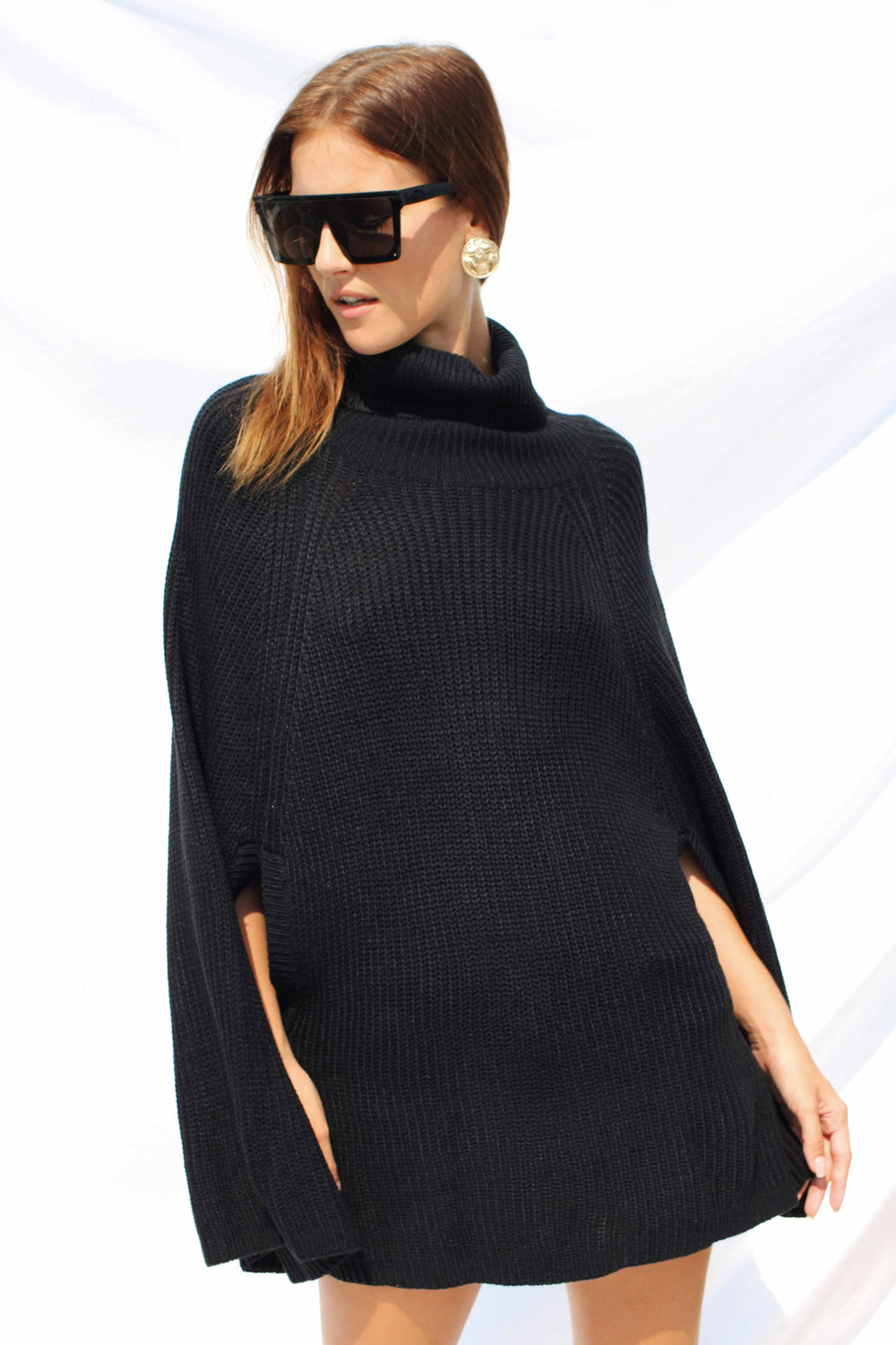 FERNANDA CAPE IN BLACK - Chic Le Frique