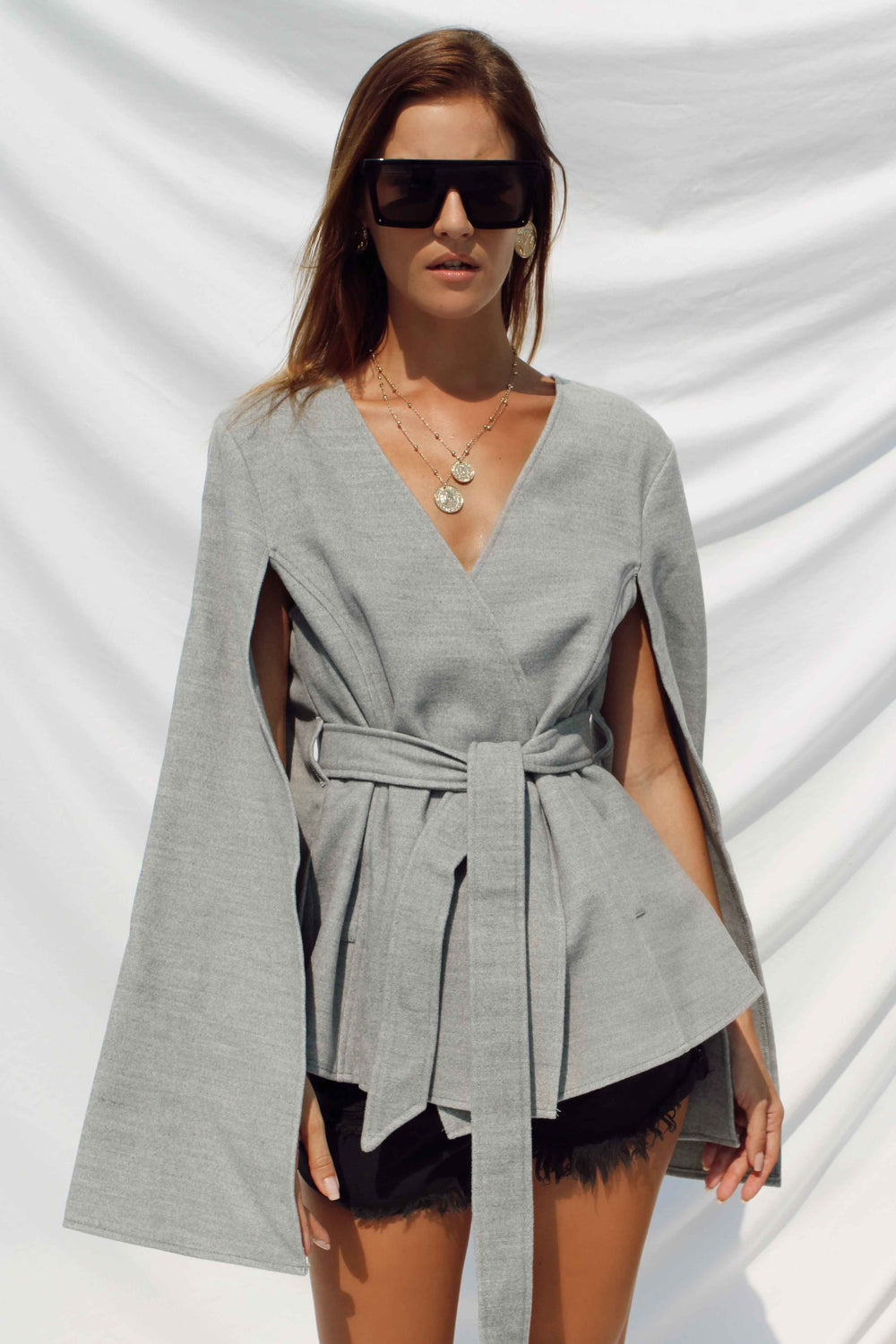 GISELLE CAPE COAT - Chic Le Frique