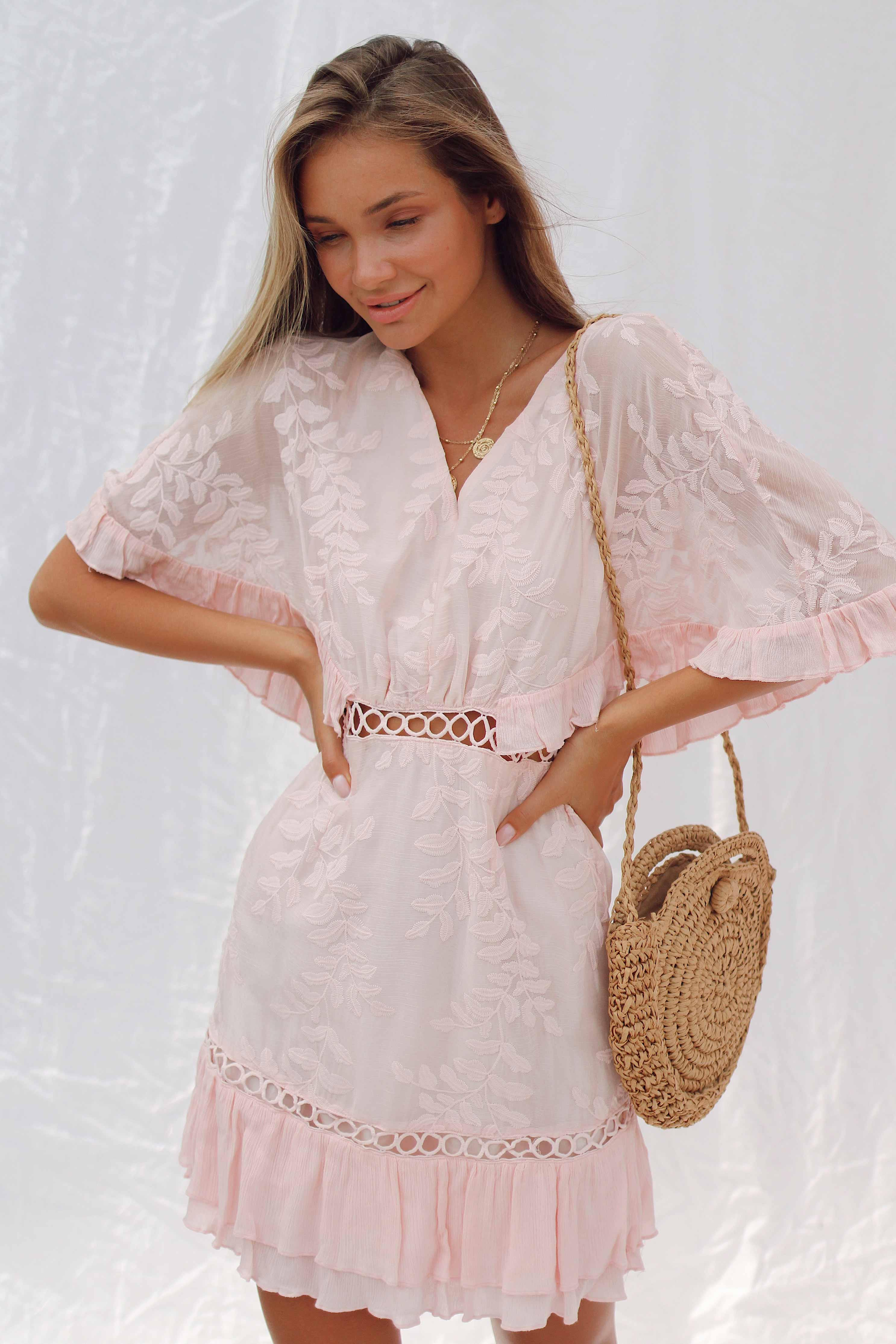 AMALIA DRESS IN LIGHT PINK - Chic Le Frique