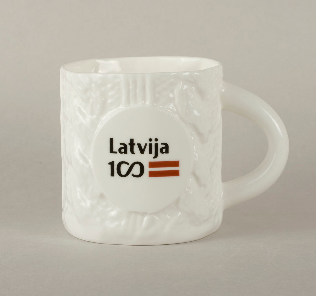 LV100. Knitted Tea Mug 1