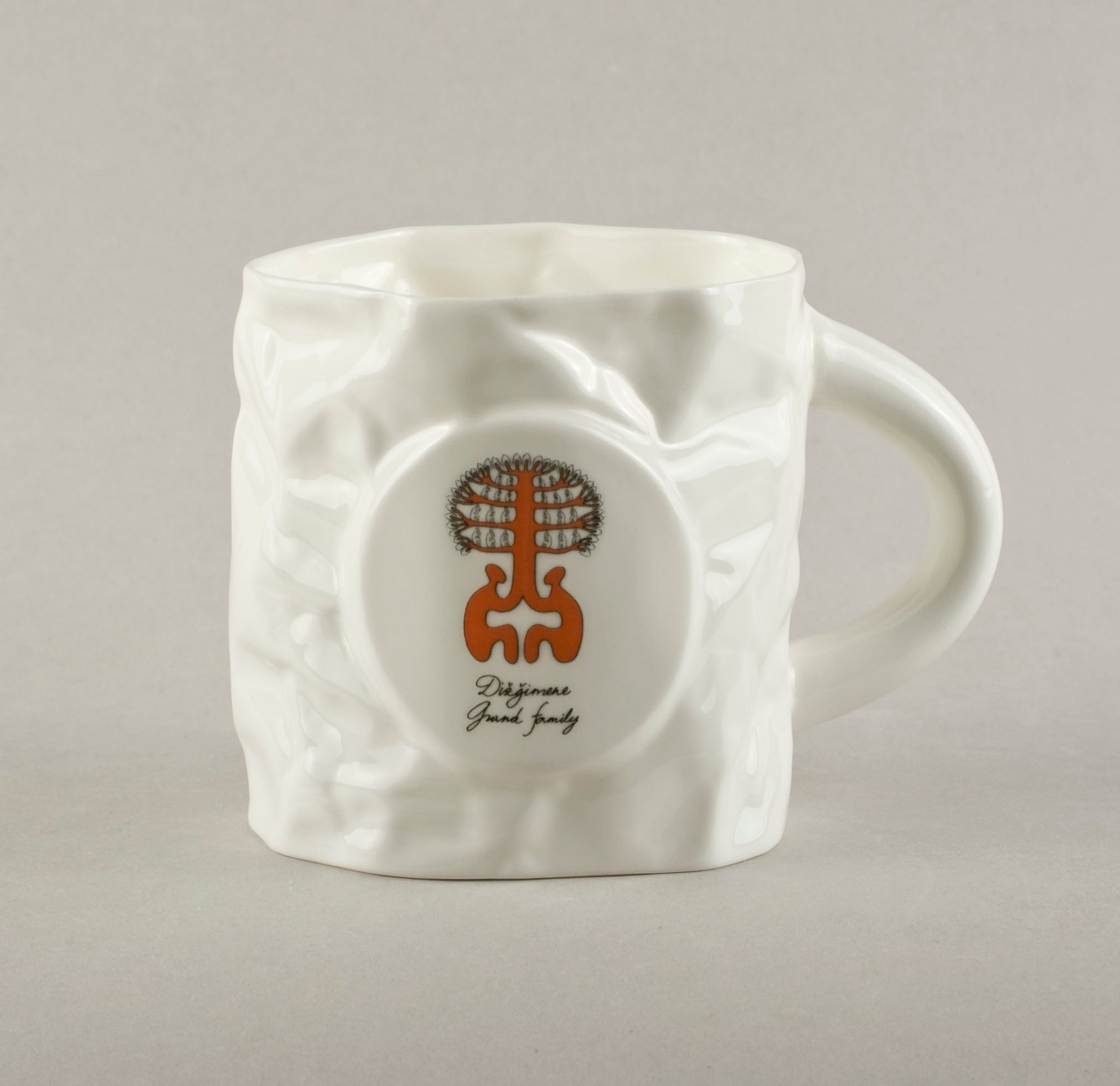 Grand Family. Crumpled Tea Mug
