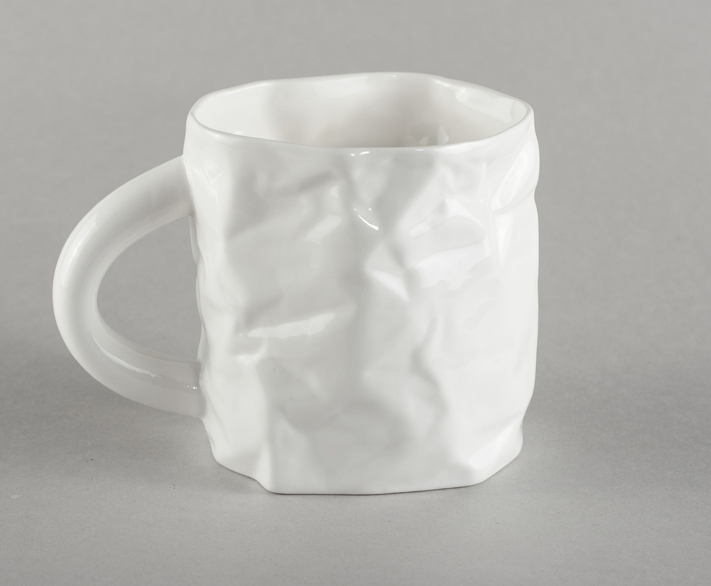 Porcelain Crumpled Tea Mug