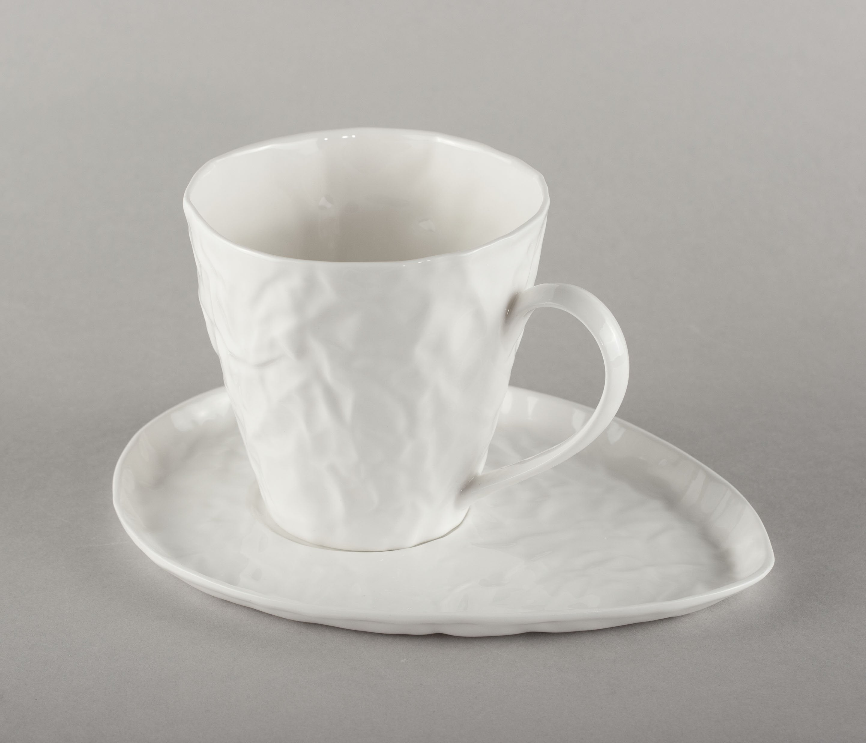 Porcelain Crumpled Tea Co Mug Base (mug not included)