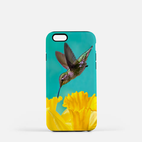 Daffodil photograph on an iPhone 7 phone cover.