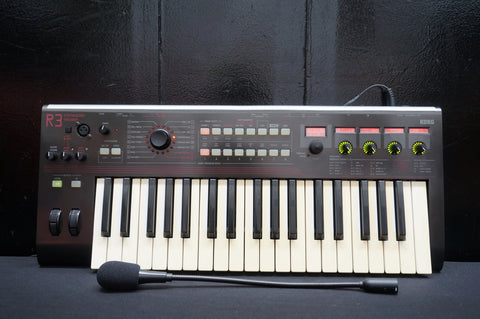 Korg R3 Virtual Analogue Poly Synthesiser Vocoder W/ Power Supply & Microphone