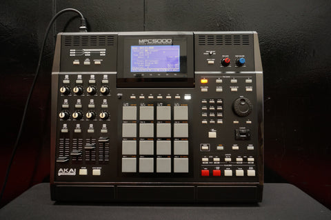 Akai Professional MPC5000 Music Production Centre Sampling Synth Sequencer Workstation