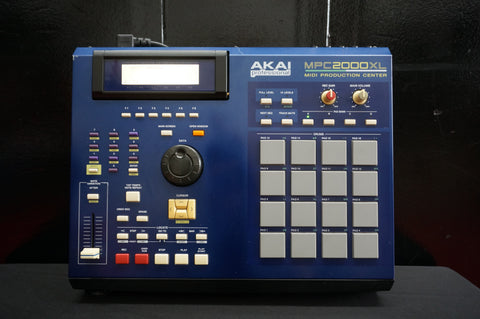 AKAI MPC 2000XL Sampler Sequencer Drum Machine MIDI Production Center BLUE 100-240V