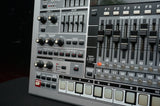 Roland MC-909 Sampling Groovebox Synthesiser Digital Rhythm Programer 240v
