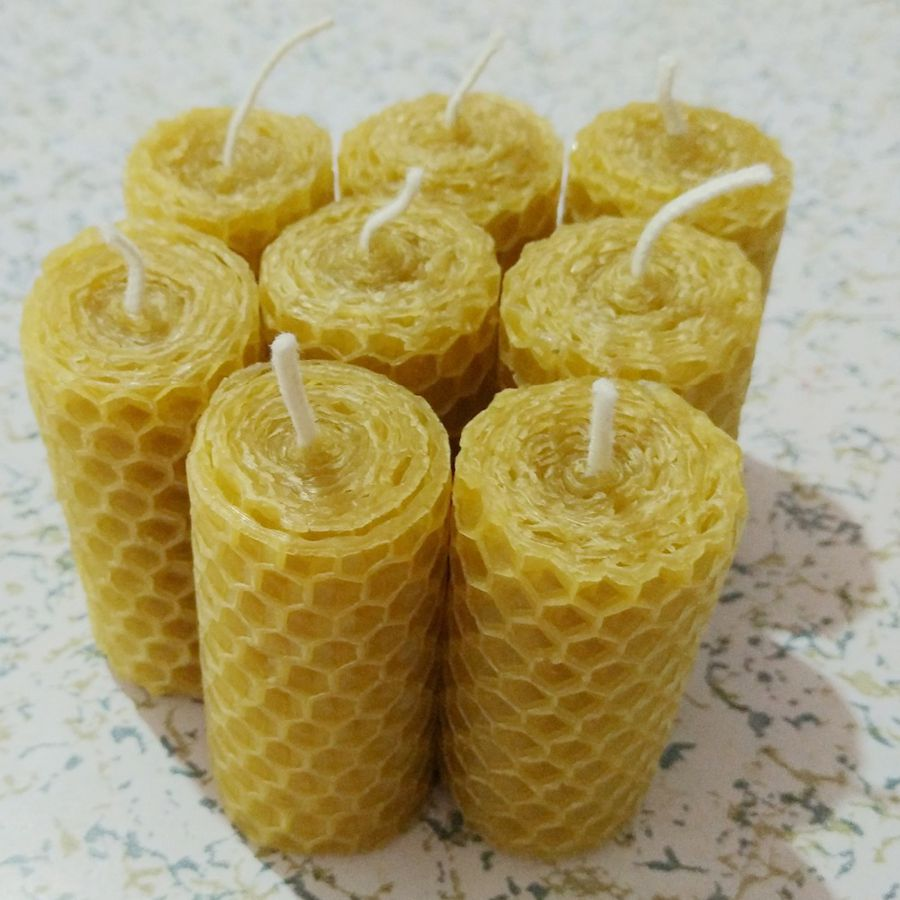 Handmade rolled beeswax candle (8 pcs)