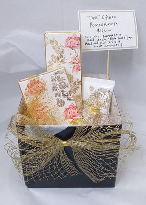 Mor giftbox, Pommergranite - Broadfield Flowers Florist Lincoln