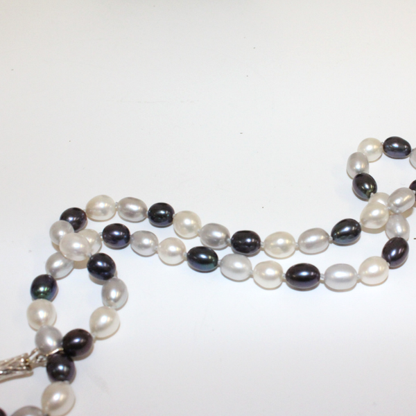 Dark Blue and White Pearl Necklace - Broadfield Flowers Florist Lincoln