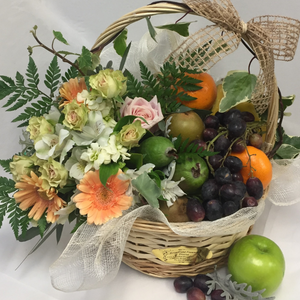 Fruit Gift Basket - Broadfield Flowers Florist Lincoln, Christchurch