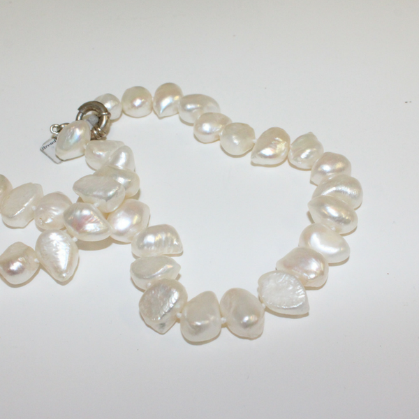 Large Beaded White Pearl Necklace - Broadfield Flowers Florist Lincoln, Christchurch