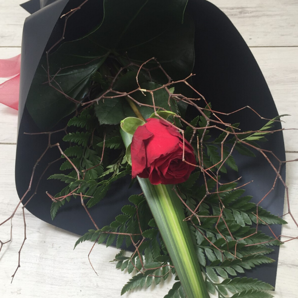Single Rose - Broadfield Flowers Florist Lincoln, Christchurch