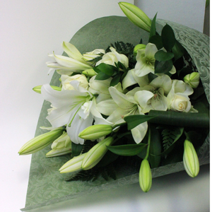 Sympathy - Broadfield Flowers Florist Lincoln, Christchurch
