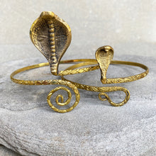 Load image into Gallery viewer, Arm Bracelet Queen Cobra ☆Brass☆