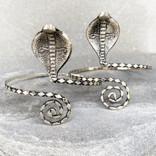 Load image into Gallery viewer, Arm Bracelet King Cobra ☆Silver☆