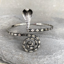 Load image into Gallery viewer, Arm Bracelet Queen Cobra ☆Silver☆