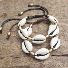 Load image into Gallery viewer, Beachday Shell Bracelet