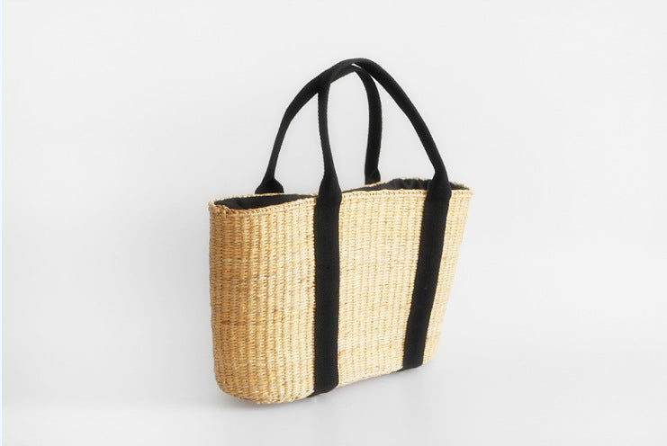 Beach Bag Hanmade Of Waved Straw