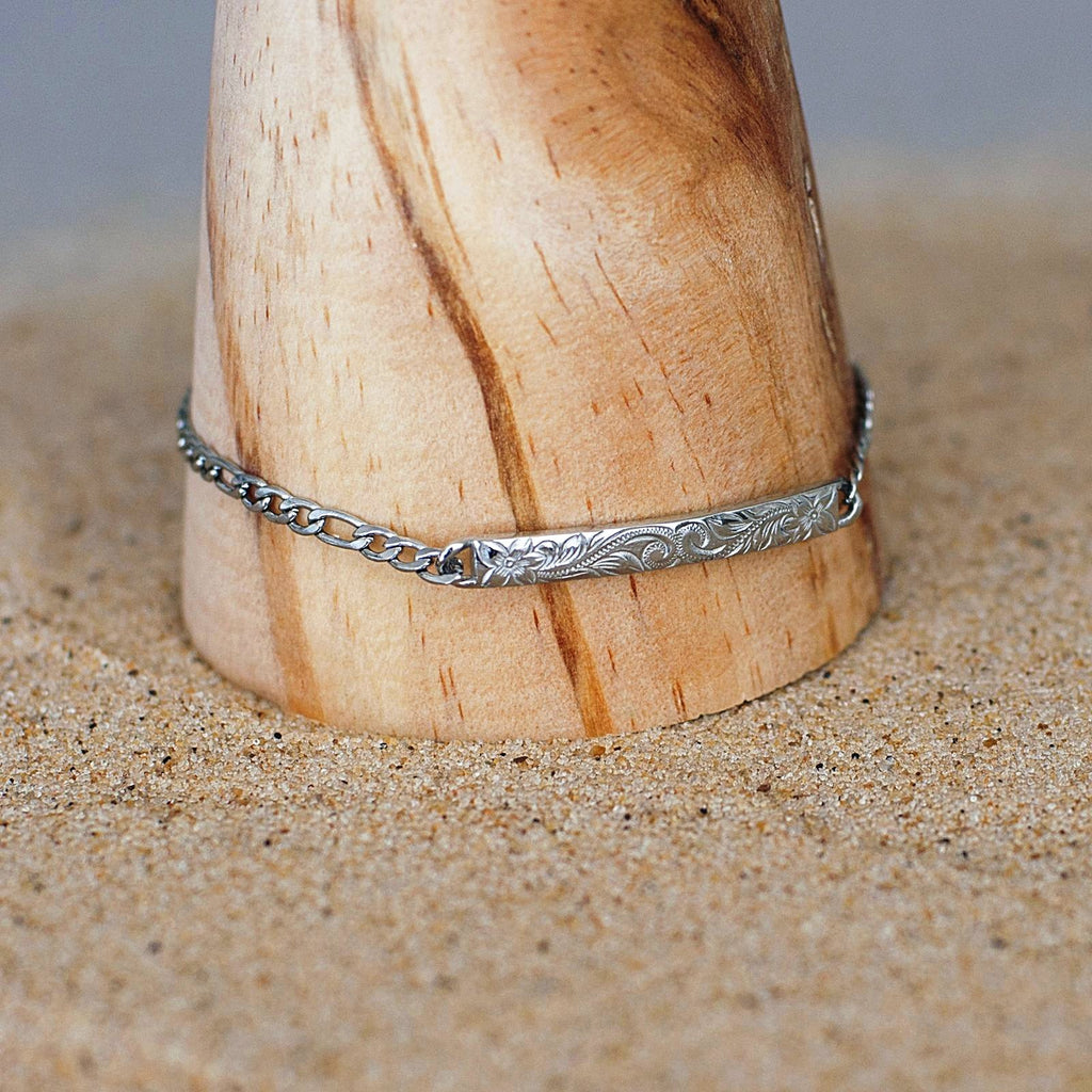 Hawaiian Bracelet by Austaras - Engraved with Hibiscus Flower