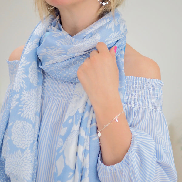 Ribbon Scarf (Pale Blue/White)