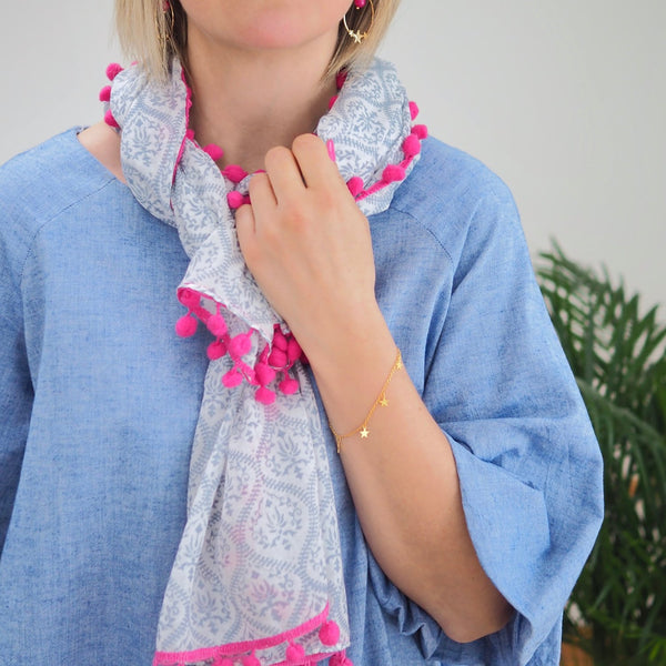 Patterned Pom Scarf (Grey/White)