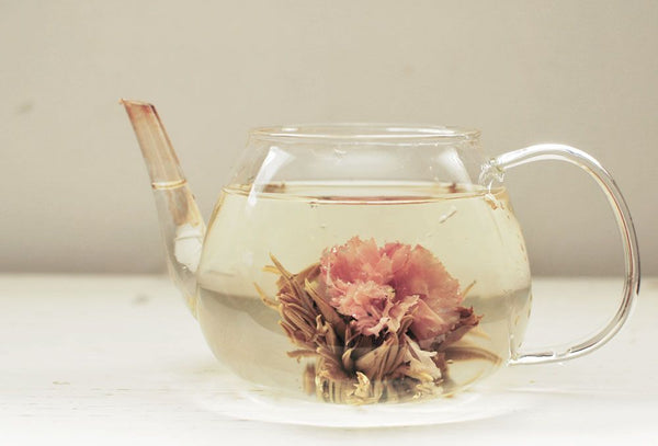 The Difference Between Flowering and Floral Tea