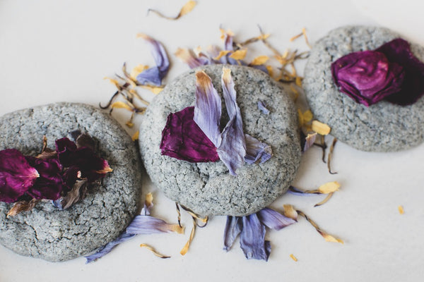 BLACK SESAME FLOWER COOKIES