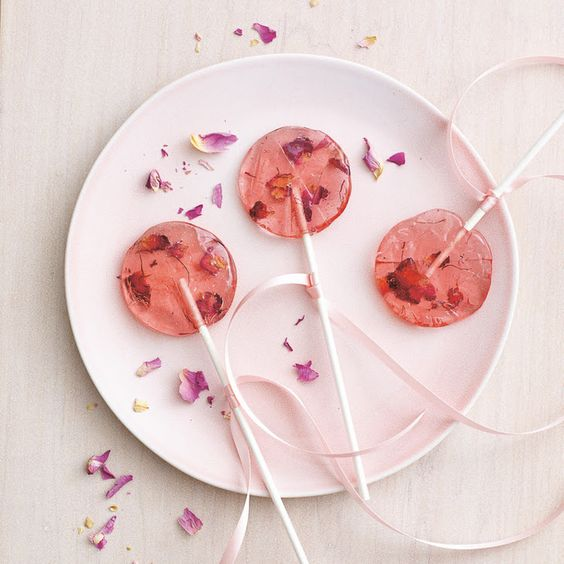ROSE SAFFRON LOLLIPOPS