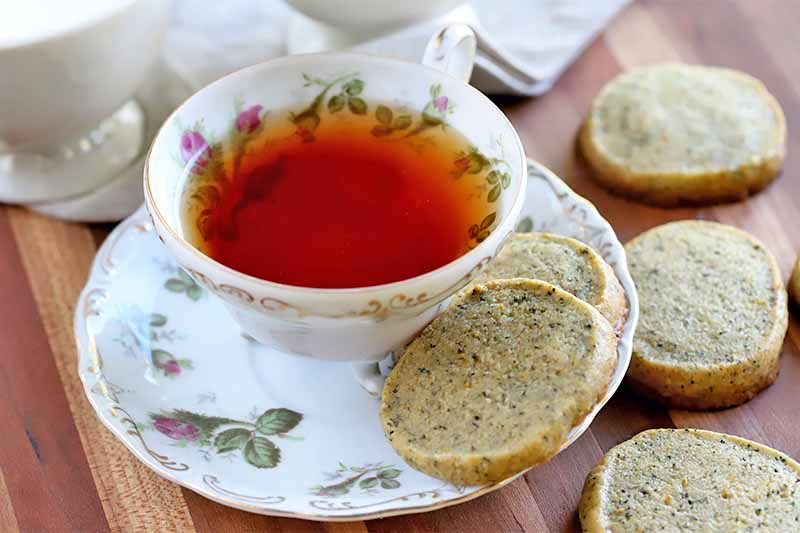 earl grey tea and cookies picture