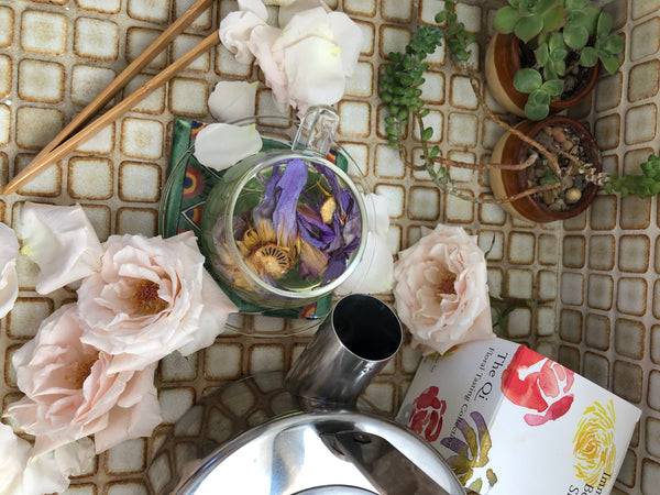 Angie Chiuzzi, The Qi Flower person interview, Bloom babes floral design, tea, wellness, beauty, creation