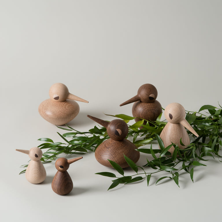 Smoked oak and natural oak Birds wooden figures in small, chubby and large from Architectmade