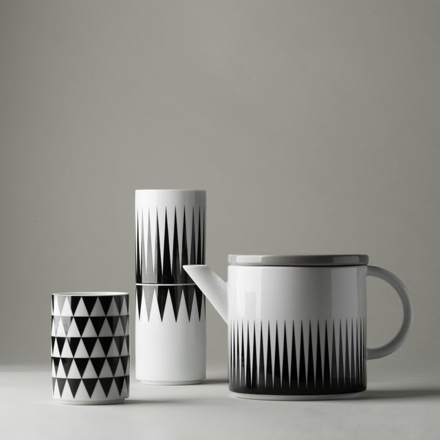 Geometry cups and teapot