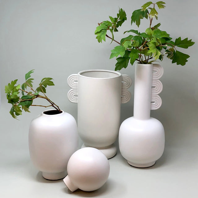 Muse vases
