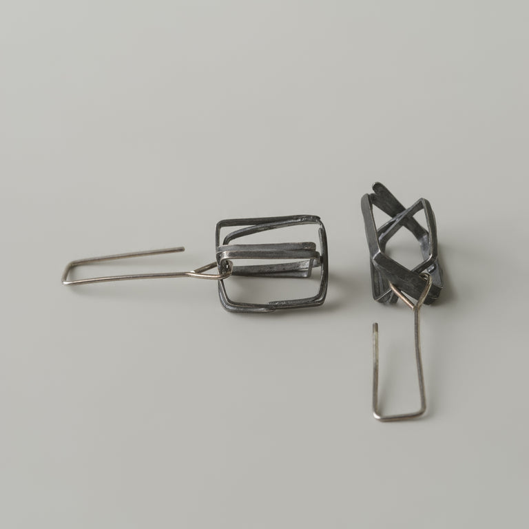 Rectangle wire box earrings