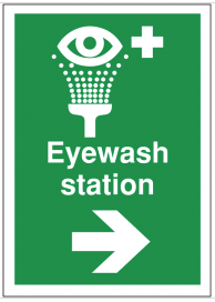First aid signs for eyewash station and arrow right SSW0192