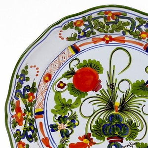 FAENZA-CARNATION: Scalloped dinner plate (11 D)