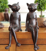 Old Style Rusty Cat Figures