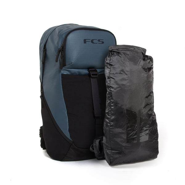 FCS Strike back pack features