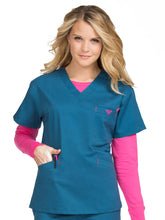 8403 V-NECKLINE SIGNATURE 3 POCKET TOP (LG, XL, 2XL)