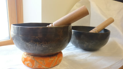 Medium Eight Auspicious Singing Bowl